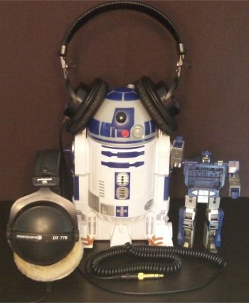 R2D2 headphones